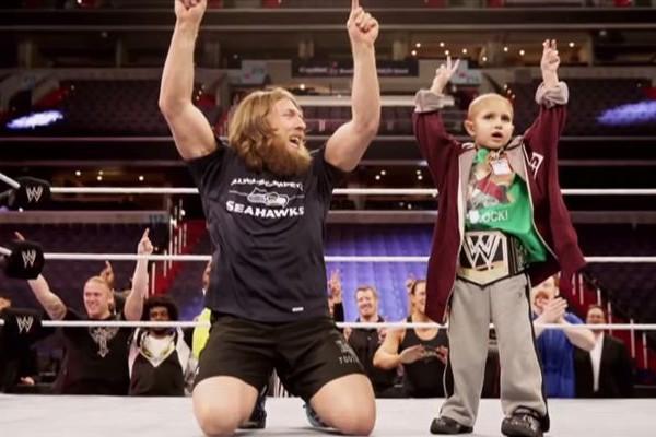 【感動】屈強なプロレスラーたちが癌と闘う少年へ贈ったサプライズ