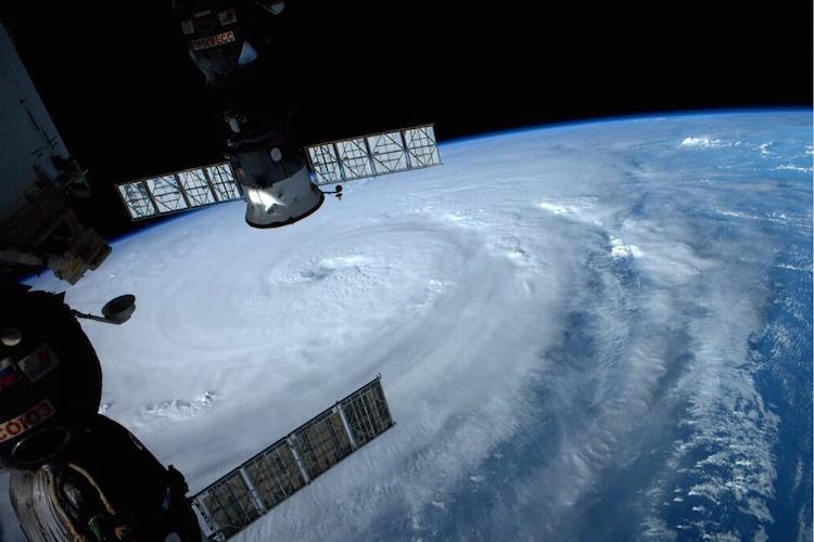 【過去最強】国際宇宙ステーションから撮影した台風8号ノグリーが美しすぎて怖い