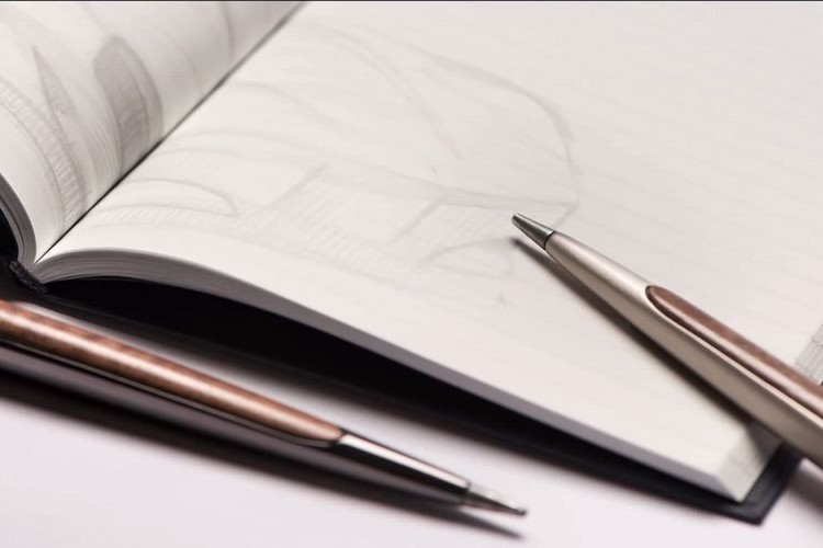 """どうして書けるの?""""インクが一生不要なペン""""が発売"""