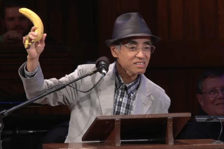 「やっぱりバナナの皮は滑る」を研究した日本人にイグノーベル賞受賞