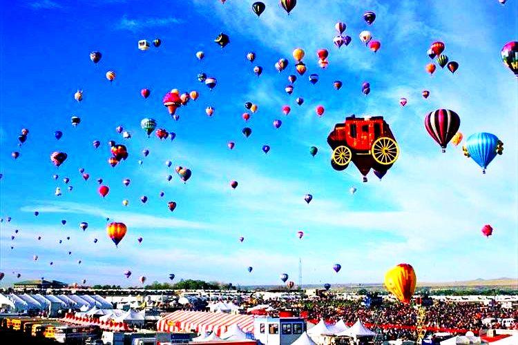 空を鮮やかに彩るー世界各地の気球フェスタを見てみよう