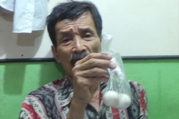 ジャカルタで62歳の男性が産卵!?映像も公開され大きな話題に!(動画あり)
