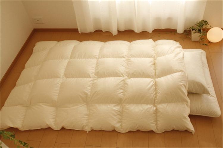 目からうろこ!毛布を「体の下に」敷くのがもっとも温かい説が話題に!