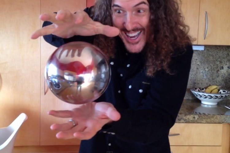 オモシロおじさん!浮かぶ銀のボールのマジックのネタばらしに笑った
