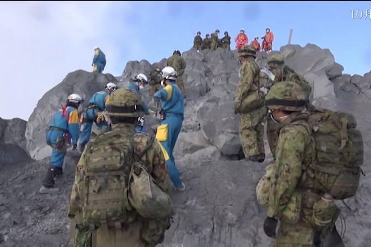 """戦後最悪の火山被害""""御嶽山""""での災害派遣活動映像を自衛隊が公開。想像以上に過酷な現場だった"""