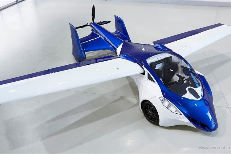 遂に公開された空飛ぶ車「AeroMobil」、近い将来に実用化も