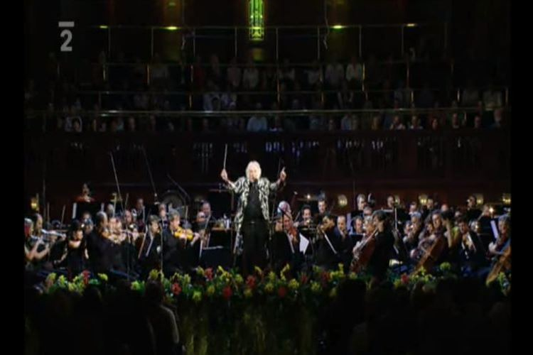 """【世界一楽しいオーケストラ】指揮者カール・デイヴィスが奏でる映画""""ゴーストバスターズ"""""""