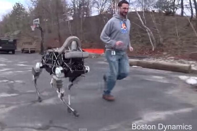 蹴られたって倒れない!!四足歩行ロボット「Spot」が健気でスゴカワイイ!!
