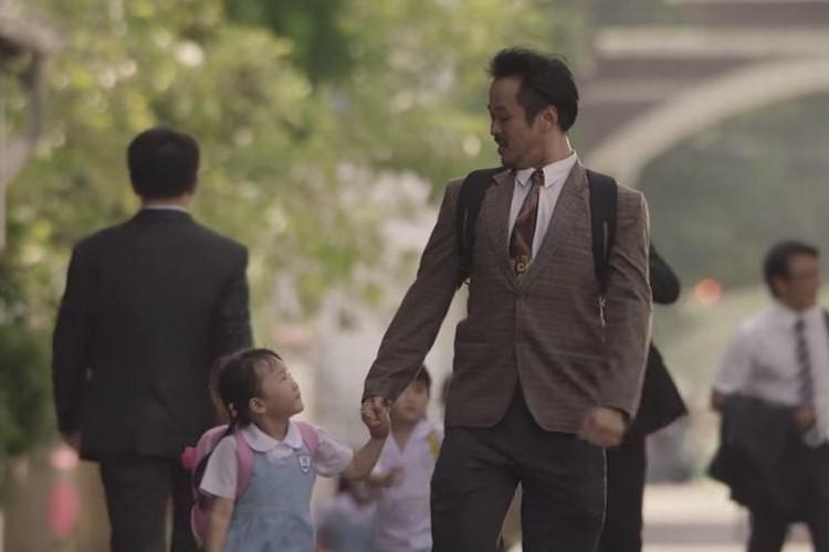 「パパは嘘をついている...私のために」娘が読んだ父への作文が心に響く