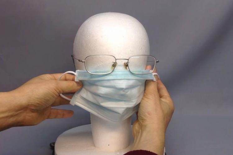 花粉症がヒドくなるこの時期に。マスクをしても眼鏡が曇らない超簡単な方法
