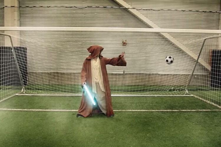 ヒーローサッカー!マリオやアイアンマンなど豪華メンバーでサッカーをしてみたら...