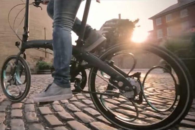 車輪がサスペンションと一体に!乗り心地最高の新しい自転車が登場