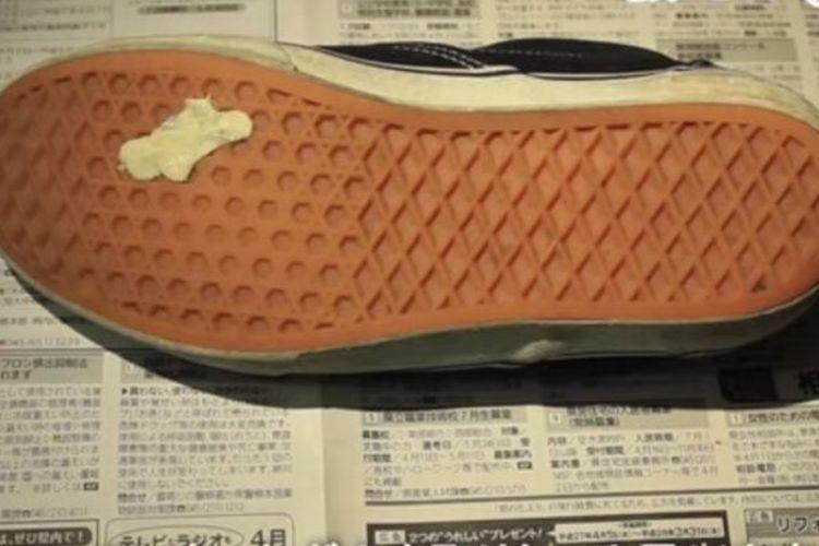 【ライフハック】家庭にあるモノで靴や服についたガムを簡単に取る方法