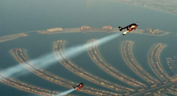 jetpack-flight-yves-rossy-vince-reffet-jetman-dubai-3r