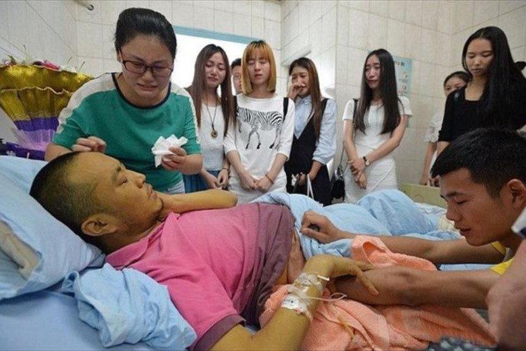 【最期に伝えたい事】死を悟った中国の教師が学生を病院に招待し最期の授業