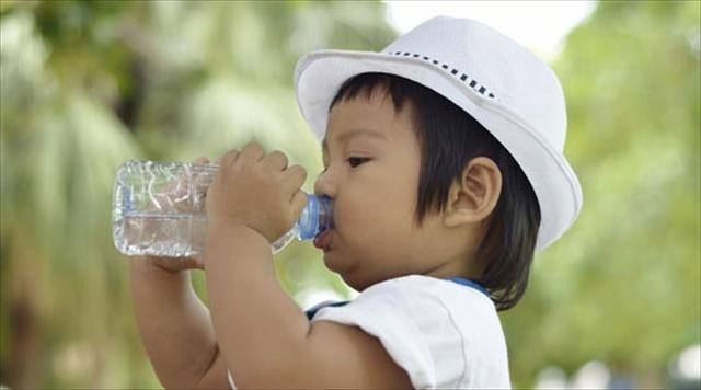 My kids drink water.
