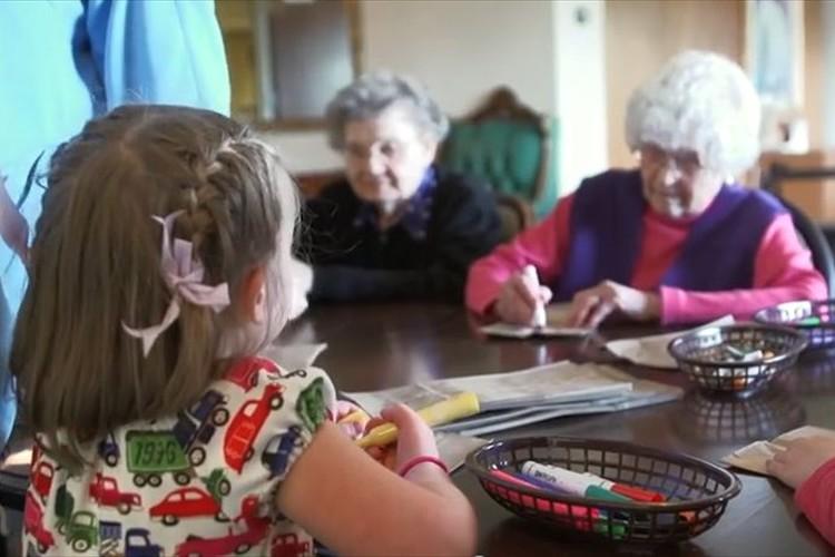 介護施設と幼稚園をひとつに…高齢化社会に向けた海外の取組み