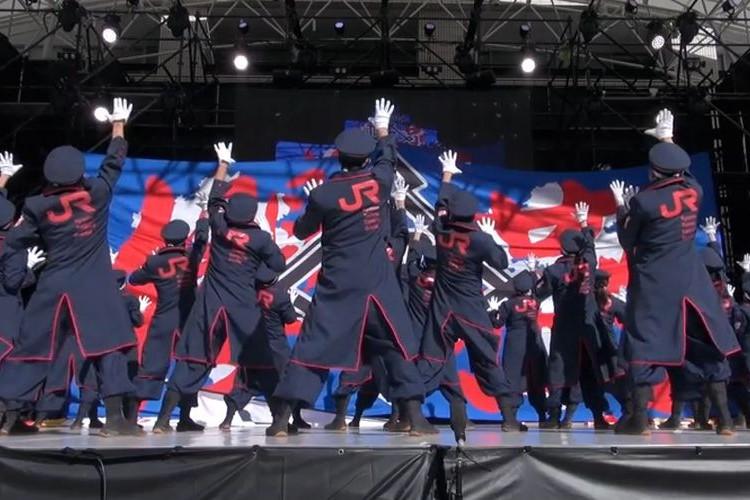 メンバーは駅員や車掌?「JR九州のよさこいチーム」が硬派で格好いいと話題!
