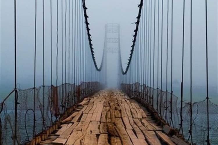 """この橋、大丈夫か?""""見た目が頼りないロシアの橋""""の画像が話題!"""