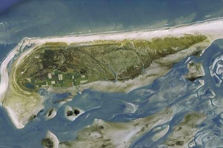 """【世界最速の島】1年間で2.62mも移動するオランダ沖の""""旅する島"""""""