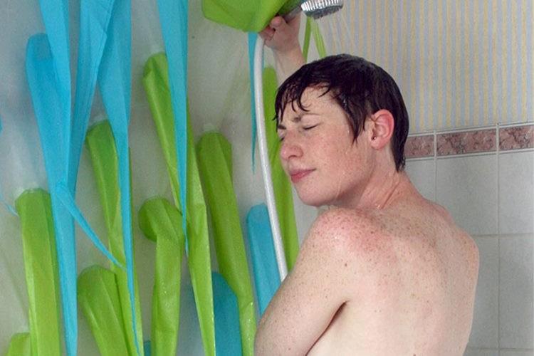 【節水アイテム】4分で強制終了!シャワーの使いすぎを防ぐ画期的なアイディアが面白い!
