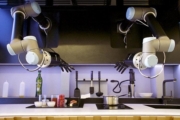 【世界初】全自動調理ロボ!家庭でロボットが料理を作ってくれる未来がすぐそこに