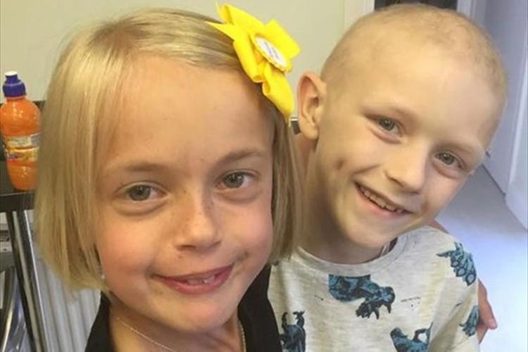 「私の髪を使って」9歳の少女が闘病中の彼へ最高のプレゼント