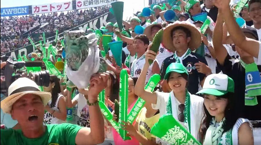 夏の高校野球は、アルプススタンドにも注目!ブラスバンドや人文字など名物応援集