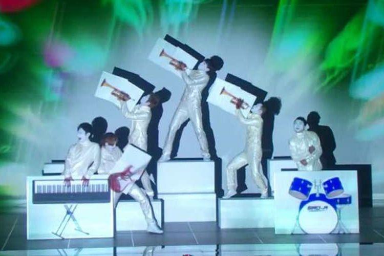 """【快挙】日本のエンターテイメント集団""""白A""""がアメリカの人気番組で準決勝進出!"""