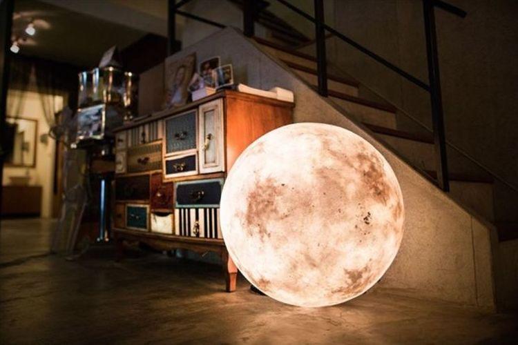"""あなたの部屋に月明かりはいかが?月型ルームライト""""Luna""""がとっても癒される"""