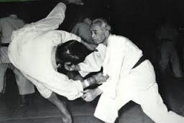 世界よ!これが日本の柔道だ!当時73歳の三船久蔵が華麗な柔道技をくりだす貴重映像