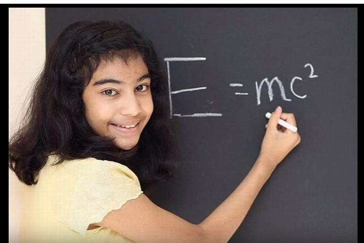 天才アインシュタインを超えるIQ162の知能を持つ12歳の少女