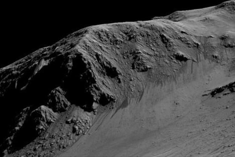 "NASAが""火星に液体の水""があることを裏付ける発表!生命存在の可能性高まる!"