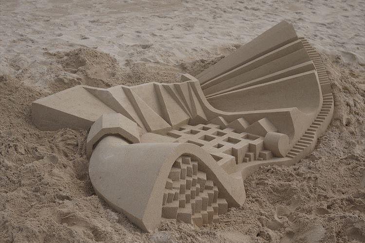 """砂浜でつくる""""サンドアート""""が信じられないクオリティと話題に!"""