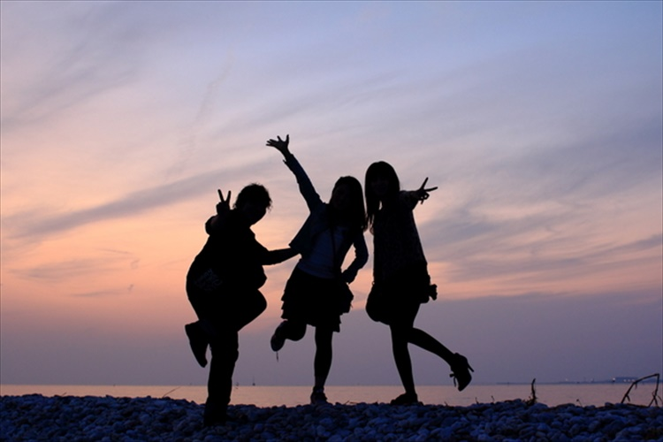 """あなたの人生に欠かせない""""真の友達""""を見分ける4つのポイント"""