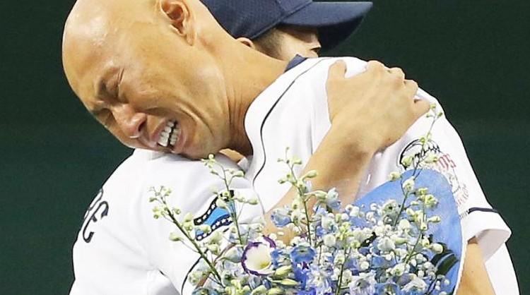 西武・ひちょりが涙の引退「病気で苦しんだ少年時代…野球が自信をくれた」