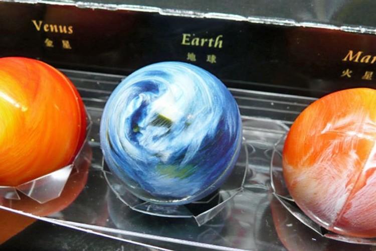 """""""太陽系惑星""""をモチーフにした「惑星ショコラ」がリアルすぎる!"""