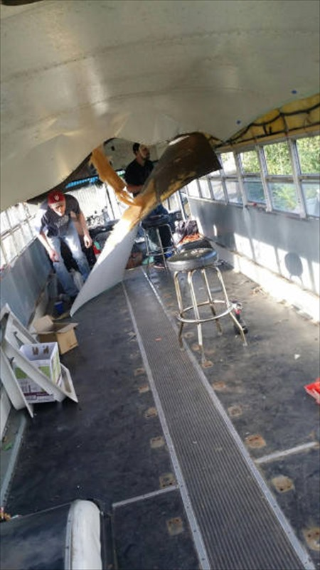 this_unused_school_bus_is_transformed_into_a_totally_awesome_motorhome_640_20_R