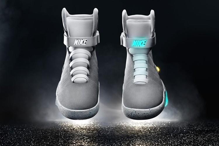 ついにNIKEが正式発表!バック・トゥ・ザ・フューチャーの未来の靴が完成!