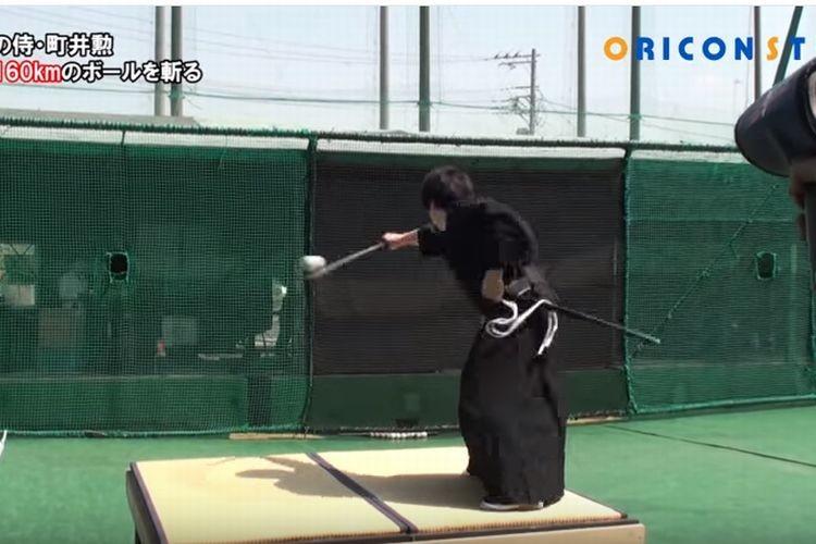 日本の侍スゲー!!時速160キロのぼーるを真っ二つにする映像が世界中で話題に!