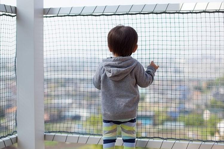 """高所""""平気""""症の子供が急増!?都心部を中心に増加する幼い頃からの高層マンション暮らしが影響か"""
