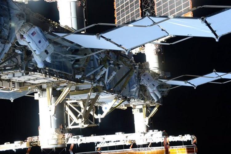宇宙飛行士の油井さんが宇宙から撮った「宙亀写真ランキングトップ10」がどれもスゴい!