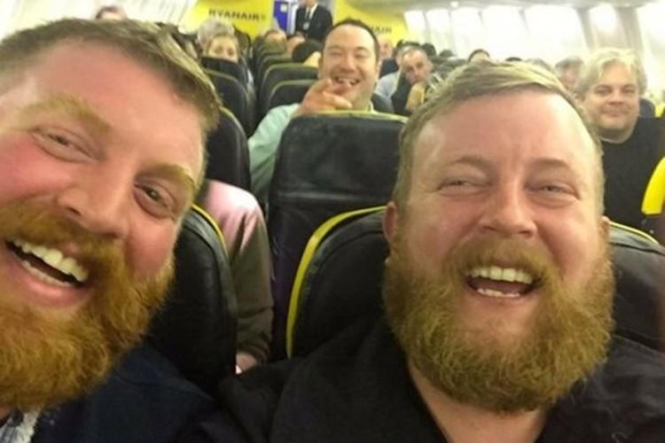 【奇跡の出会い】飛行機で隣りに座った人がドッペルゲンガーだった