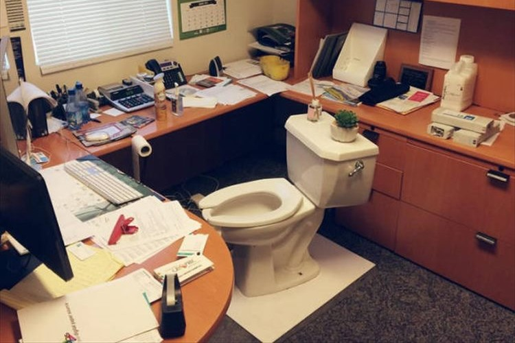 何だこれ!?出社したらオフィスが様変わりしていて体の力が抜けた【画像16選】