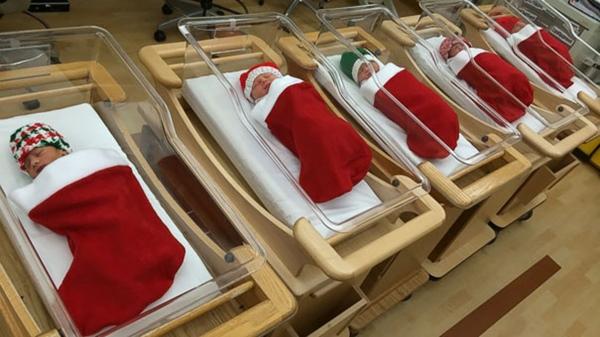 hospital-christmas-decorations-6__605r