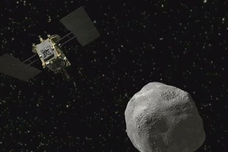 日本の小惑星探査機「はやぶさ2」が地球に最接近!進路を変える「スイングバイ」で新たな軌道へ
