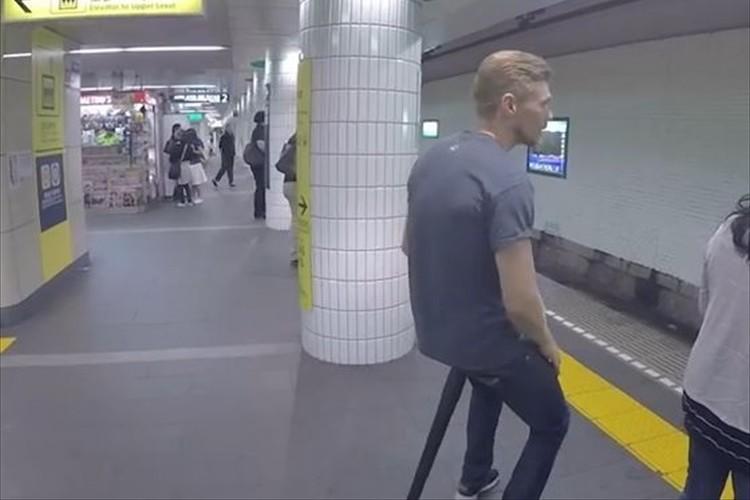"""どこでも座れる!""""ポケットに入れて持ち運べる組立て式の椅子""""が便利そうだ!"""