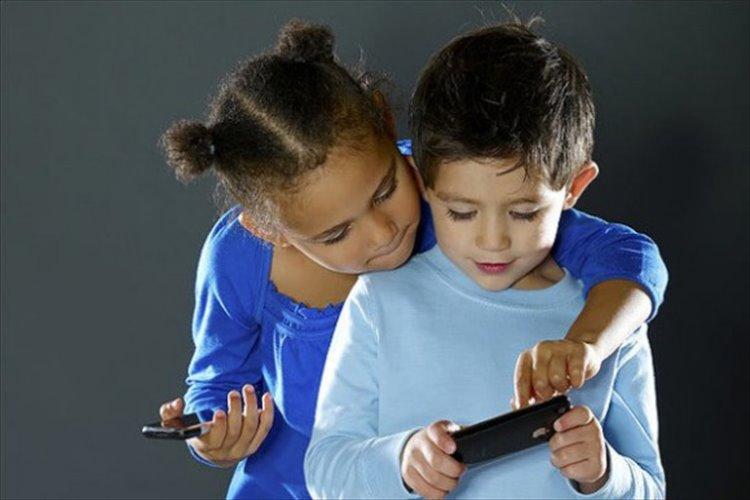 すべては息子を守るため!13歳の子供にiPhoneを正しく使ってもらうための18の約束事に賛否両論!