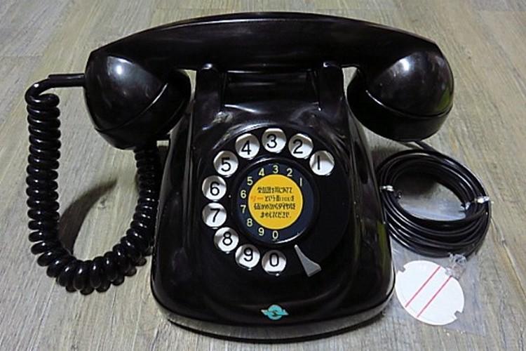 """ガチャ切りってなに!?""""電話を切る音""""の表現で分かる世代間ギャップに驚き"""