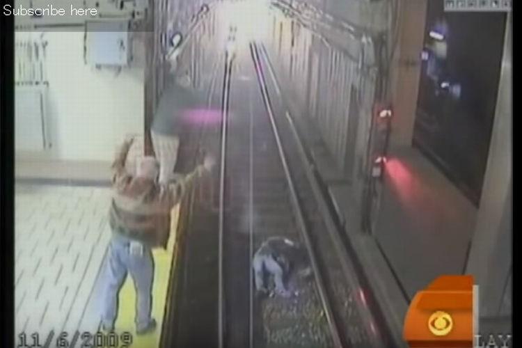 「止まってくれ!」駅のホームから転落した女性を救った周りの人たちの必死 のアピールで奇跡が起こる